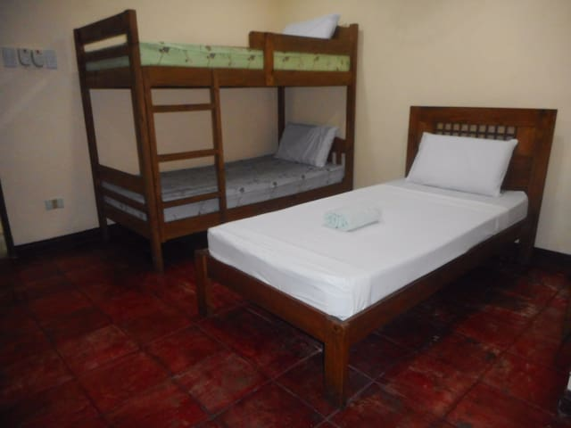 Comfortable and great value accommodation for 5
