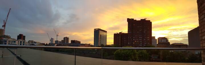 1 Bed Penthouse w/ Balcony, Birmingham City Centre