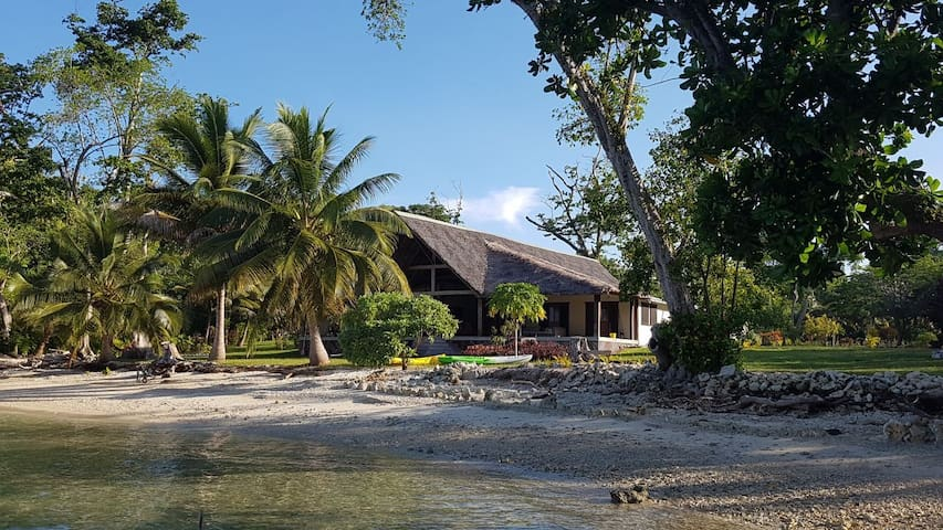 Aore Point Private Retreat - 5 bed Waterfront Home