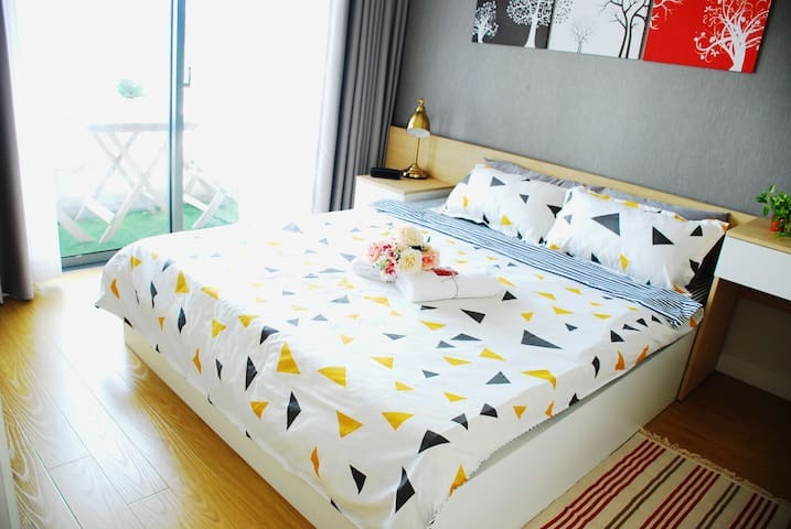 MIM's Home @ Masteri Thao Dien - Master Bedroom