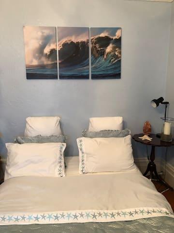 The Ocean Beach Room