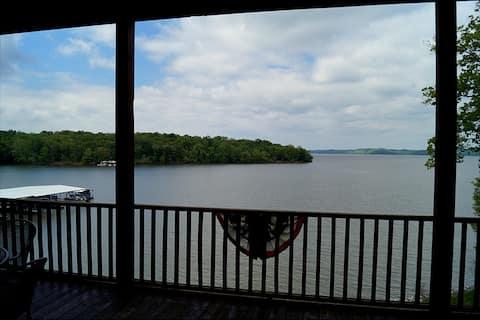 Waterfront Condo 4C on Kentucky Lake