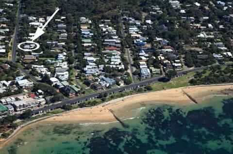 Captain Kirk's Beach Retreat Point Lonsdale