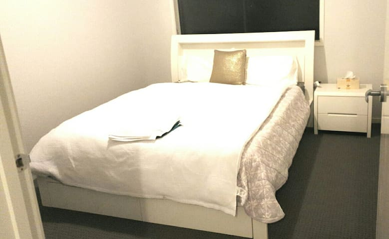 PRIVATE BEDROOM ll