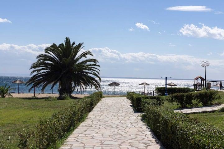 Villa Del Greco, beachfront Villa