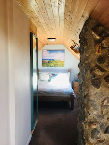 Link from Bunk Room to Double Bedroom