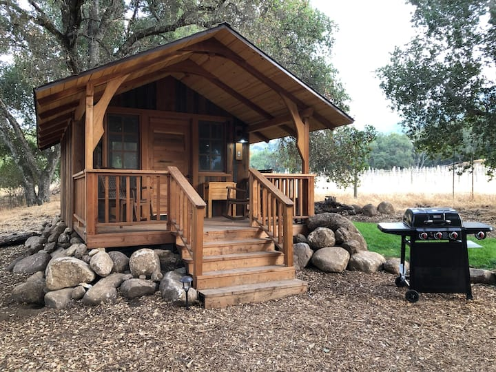 The Redwood Cabin in the Oaks