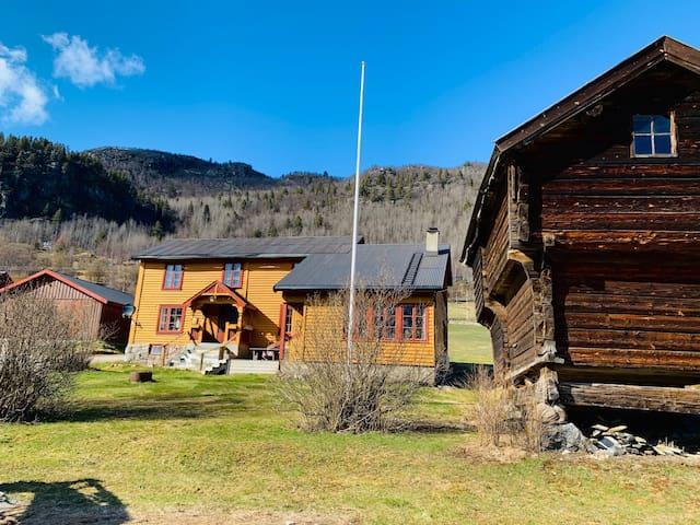 Eldre hus på gård til leie