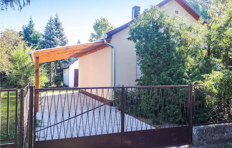 Holiday cottage with 2 bedrooms on 47m² in Balatonfenyves