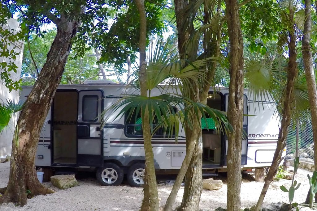 General view of our great 26 ft large camper!