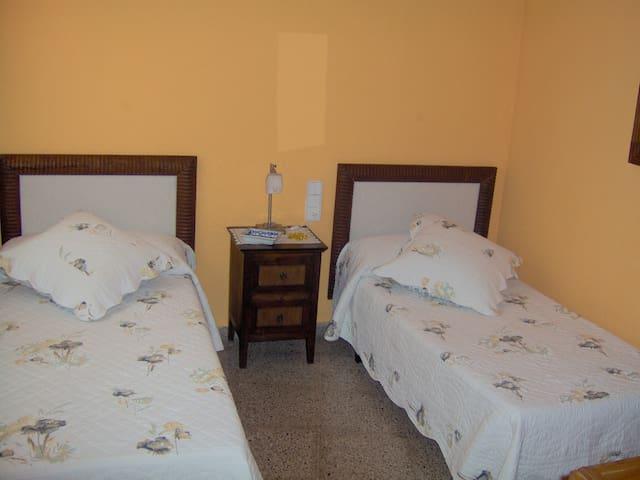 Habitación Hotel c/baño Delta Ebro