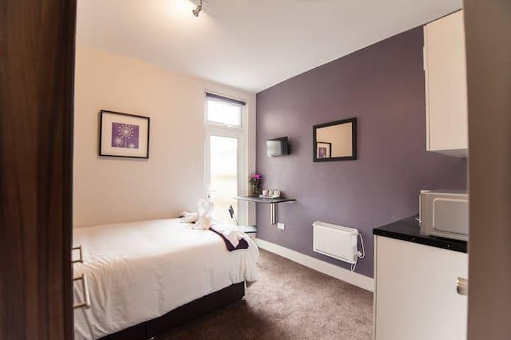Room2 Cozy Suite