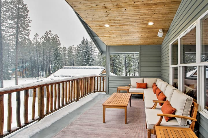 NEW! Mtn Getaway w/ Hot Tub, 4mi to Cle Elum Lake!