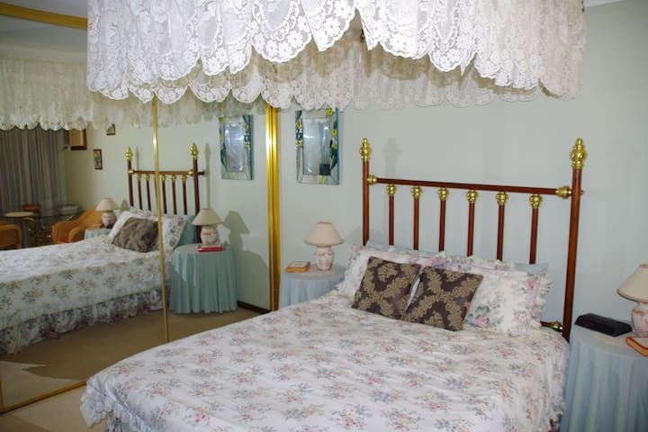 Mimsbrook Farm B&B  Kingfisher Suite - Darling Downs - Bed & Breakfast