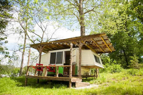 Lost Hill Lake Cozy Camper