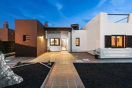 luxury villa in caleta de fuste fuerterventura - Antigua
