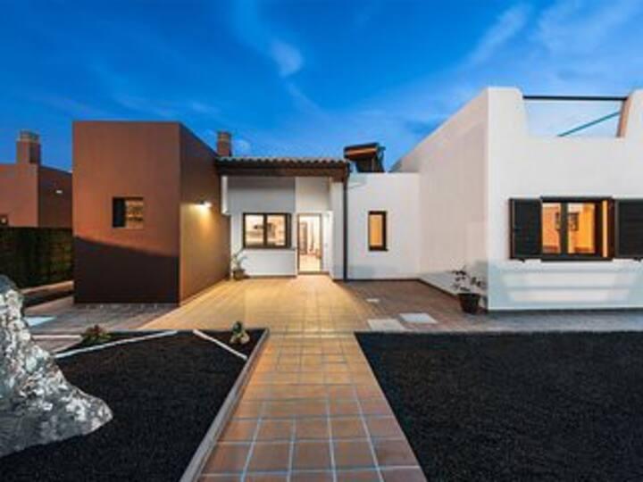 luxury villa in caleta de fuste fuerterventura