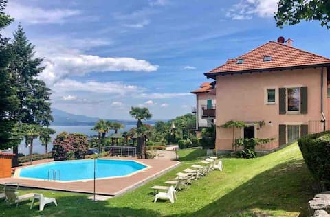 Romantic apartment in a beautiful setting + pool
