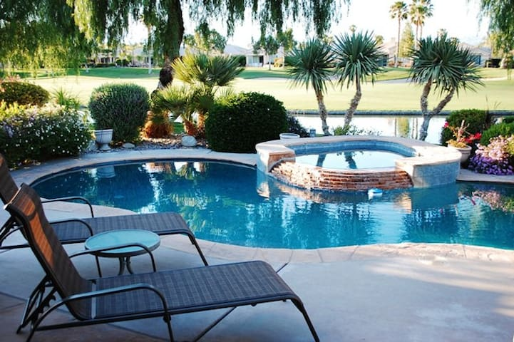 Desert Skies Villa - Beautiful Private Pool & Spa, On the 2nd fairway of the Cielo Golf Course - By PADZU