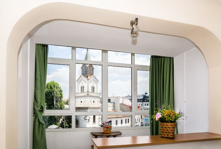 Unique 2 rooms apt in the heart of the OLD TOWN - București