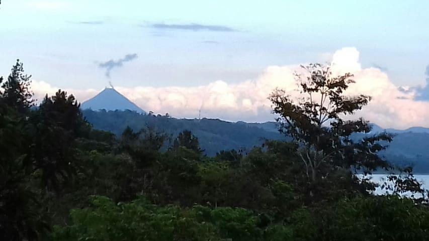 Pura Vida Costa Rica - Nuevo Arenal - Huis