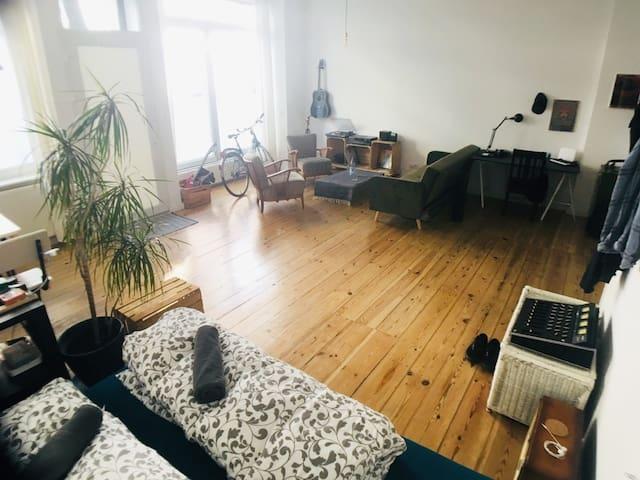 Spacious Living & Workspace @ Kreuzkölln WeserStr