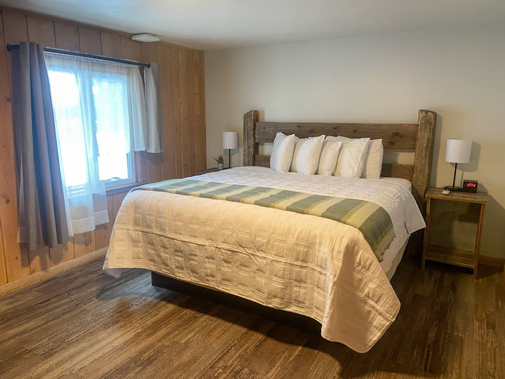 Bucking Moose Room #5 ~ Downtown West Yellowstone!