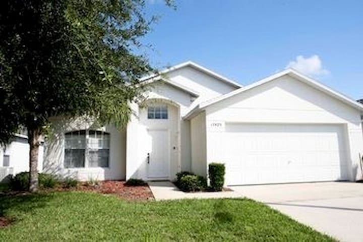 5-bed family home with pool near Disney - Clermont - Villa