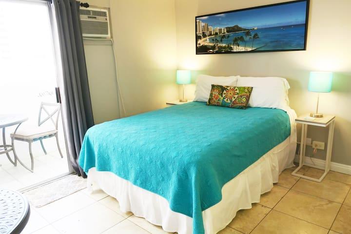 Aloha Suite Near the Sea I - 3 Min Walk to Beach!