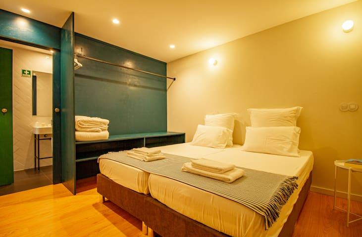 Casa Rietsch - Family Room