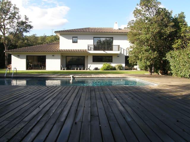 Villa de standing climatisée piscine et pool house - Zonza