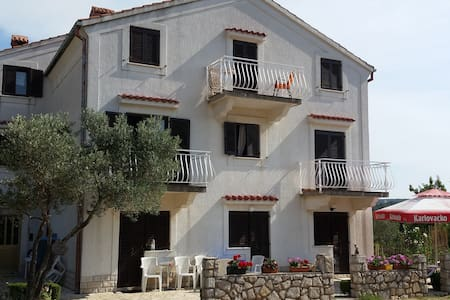 Rooms on ''Melin'' - Cres