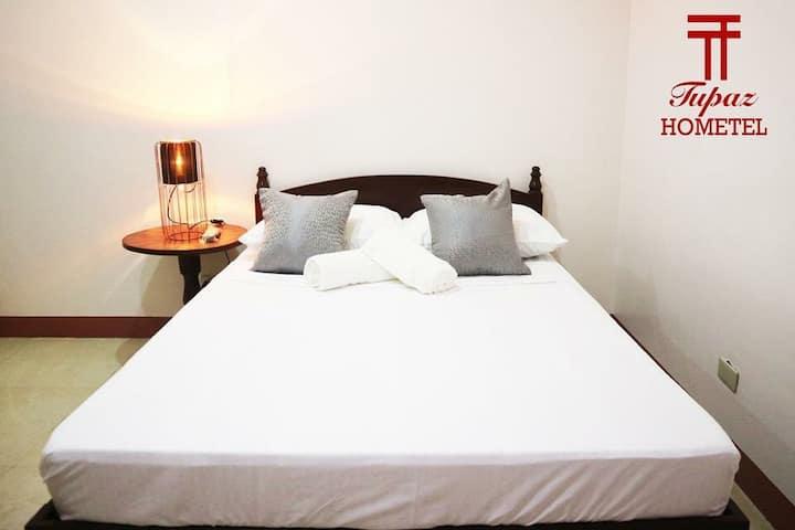 Tupaz Hometel Standard Room