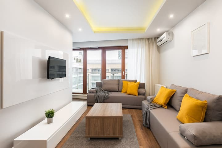 LUX apartment in an attractive location with A/C