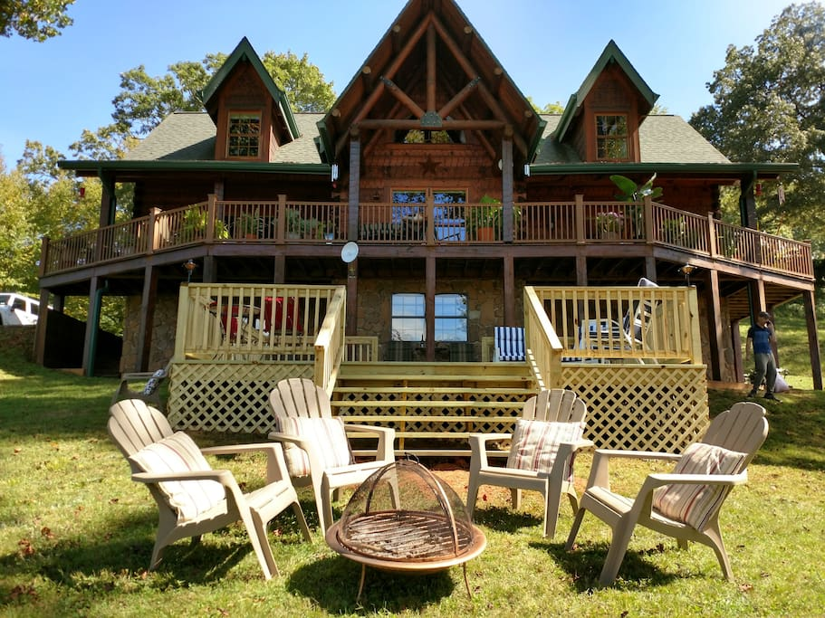 The Guest Deck is for the private use of the guests during your stay. Need Anything? The owners are always available