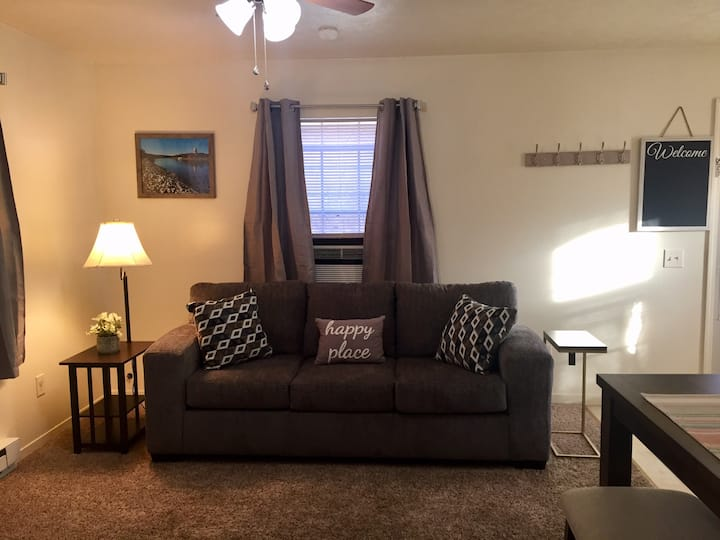 2 Bed/1Bath Upstairs Creekside Apartment-