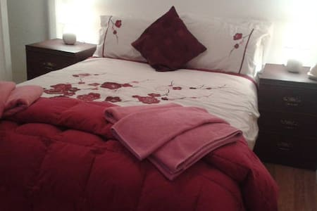Secluded close to amenities double - Penmaenmawr - Bed & Breakfast