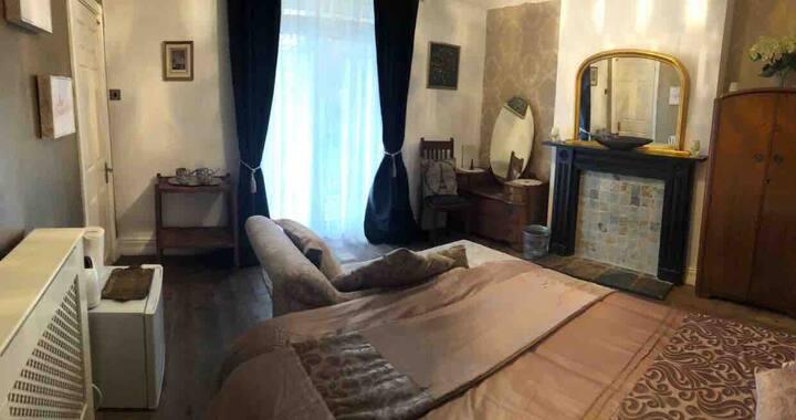 Pure Heavenly Dwellings (Room 1)