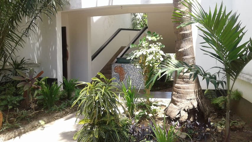 BEACH front apartment Bamburi Beach, Mombasa - Mombasa - Daire