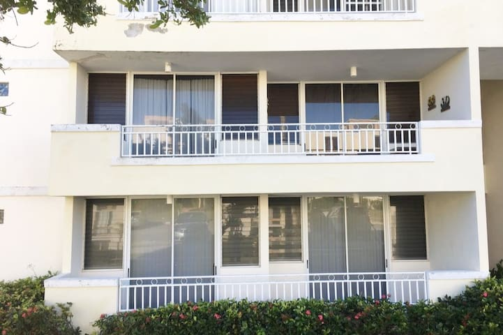 Vista Real -Ideally Located Beach Apartment
