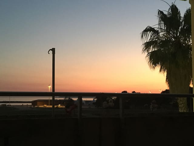 Appartement de charme en bord de mer + terrasse