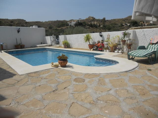 casa lucy. villa with pool