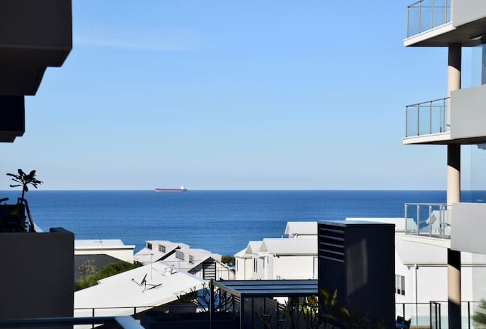 Ocean Breeze Apartment Caves Beach NSW