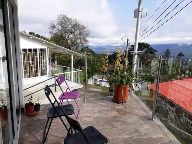 Acogedora casa a 1 hora de Bogotá