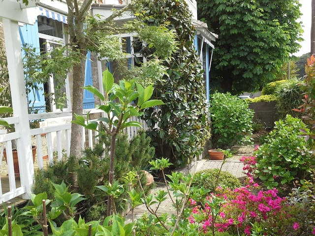 Atypique logement de charme dans villa classée - La Baule-Escoublac - Hus