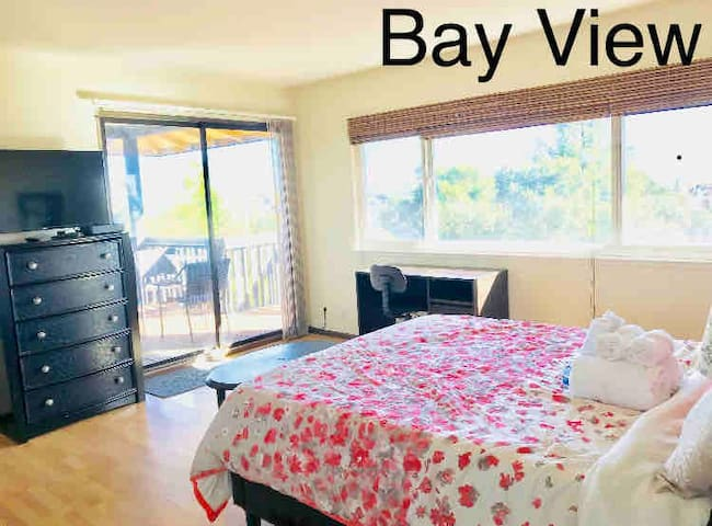 All amenity,Master Suite Bay View wifi,tv,desk