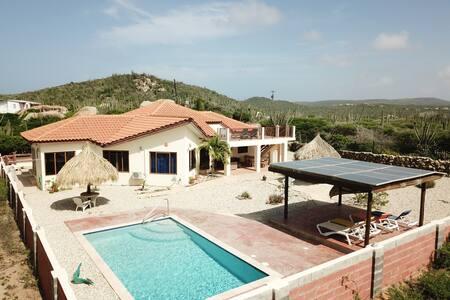 Villa Ayo Dushi Natuur Privacy en duurzaamheid!