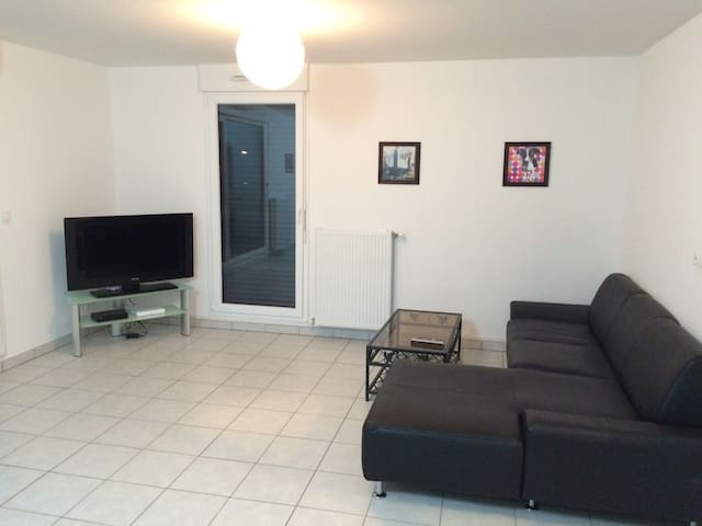 Appartement F3 de 64m2, 2 chambres. - Yutz - Apartment