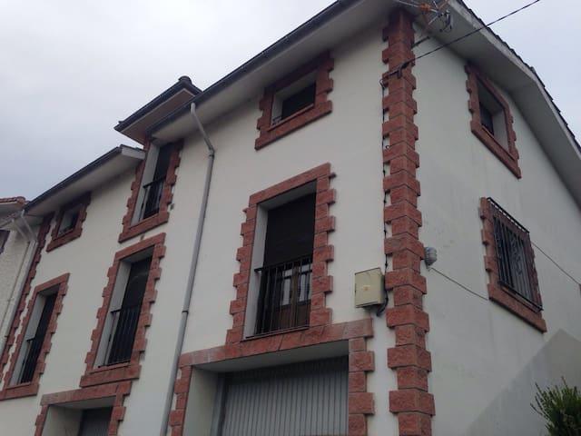 piso mar y montaña - Niembru - Appartement