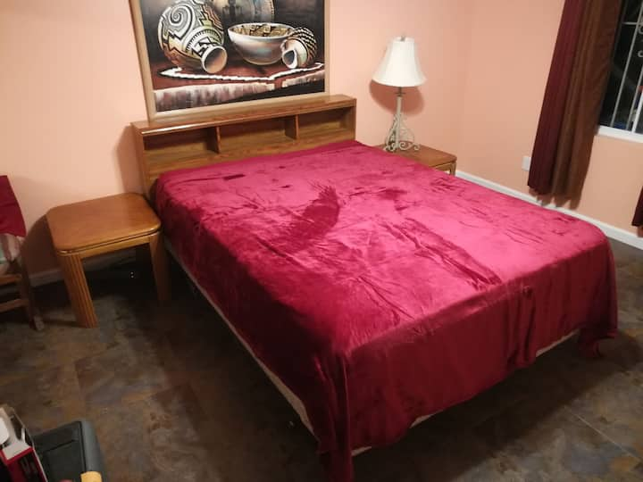 Private Room & Bath Close to Downtown Las Vegas 3
